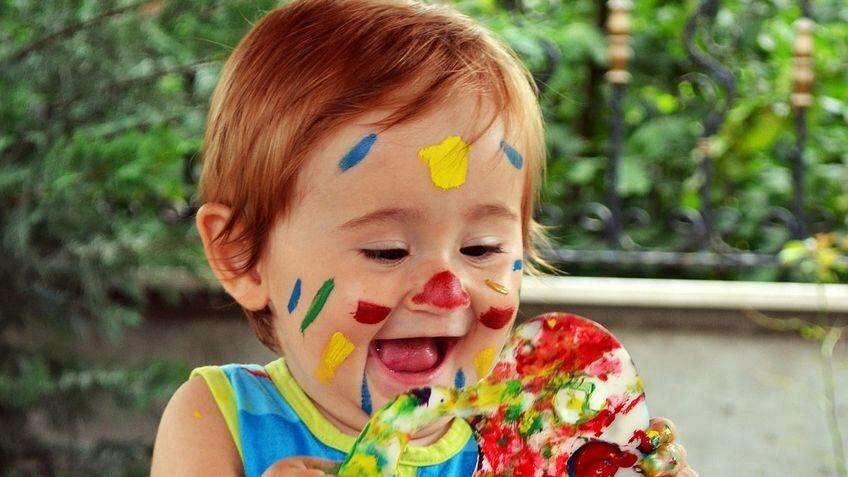 Comment apprendre à un enfant à distinguer les couleurs