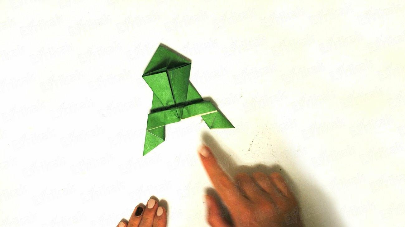 Comment réaliser une grenouille en papier qui saute : nos instructions étape par étape